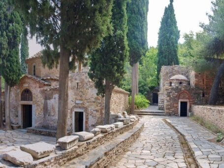 Περίπατος & ξενάγηση στη Μονή Καισαριανής