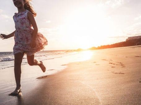 "KidsHub συνέντευξη "" Η μαγεία του καλοκαιριού, δρόμος παιδικής ευτυχίας."""